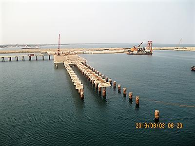 赤道几内亚巴塔老码头静力切割拆除工程